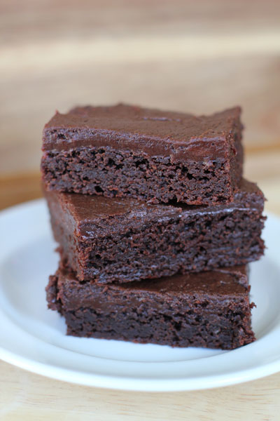 Fudge brownies with fudge frosting joyful momma kitchen for Chocolate fudge cream cheese frosting